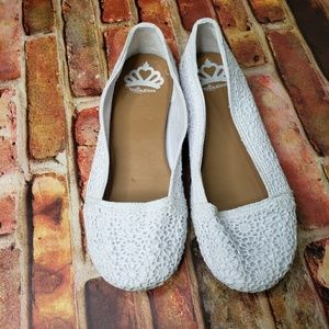 FERGALICIOUS | Mosley Crocheted White Flats